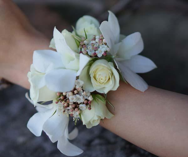 wrist-corsage-01-b